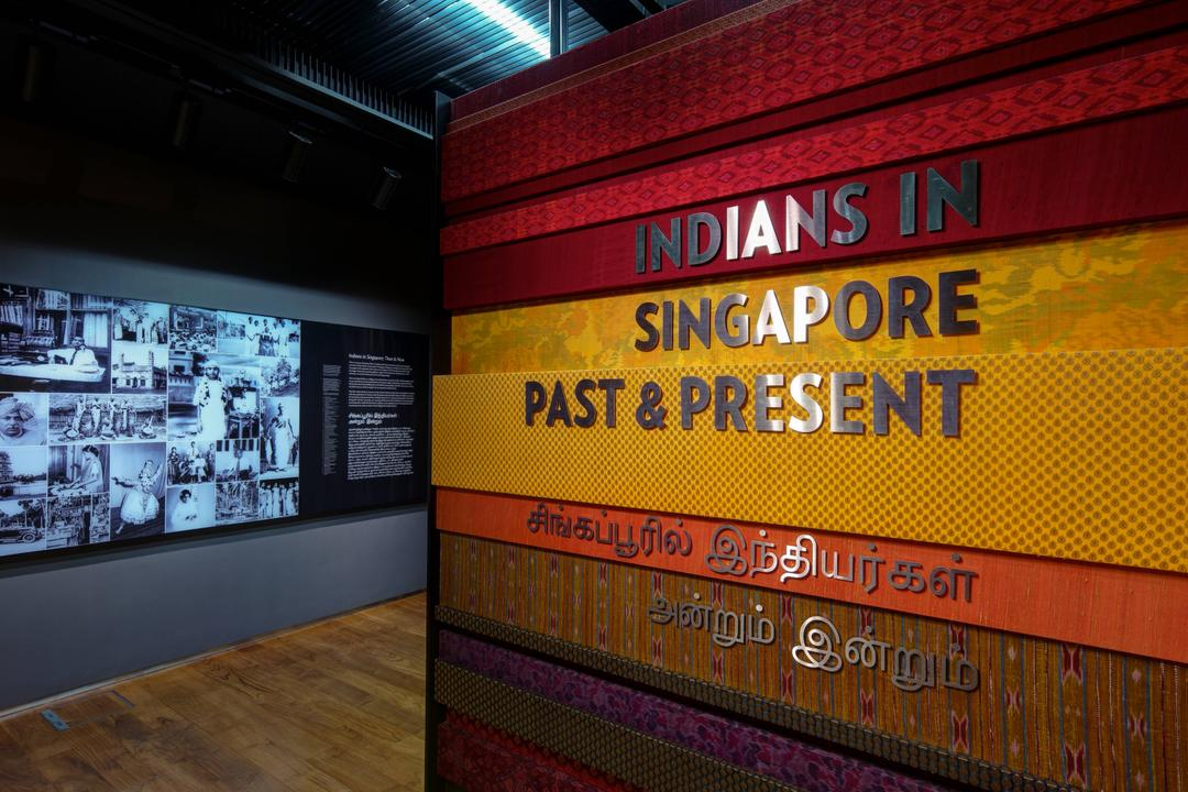 Highlights Tour: Indians in Singapore - Past & Present blurred background